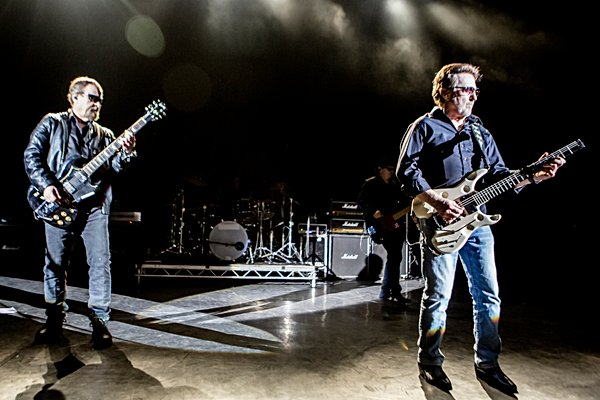 BLUE ÖYSTER CULT REAP LONDON WITH A MONSTROUS SET OF DIZ-BUSTING PSYCHEDELIC BOOGIE