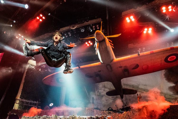 Iron Maiden - Flying Bruce