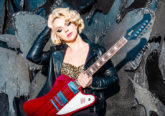 Photo of Blues singer and guitarist Samantha Fish