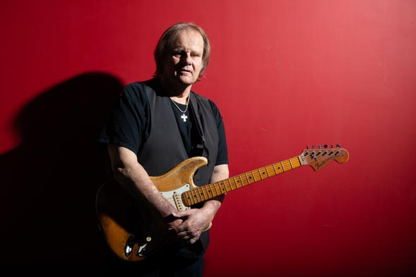 Photo of blues legend Walter Trout