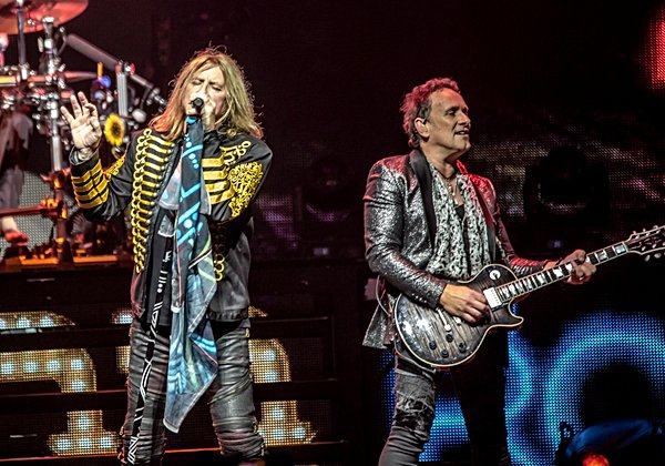 Photo of Def Leppard at O2 Arena, London