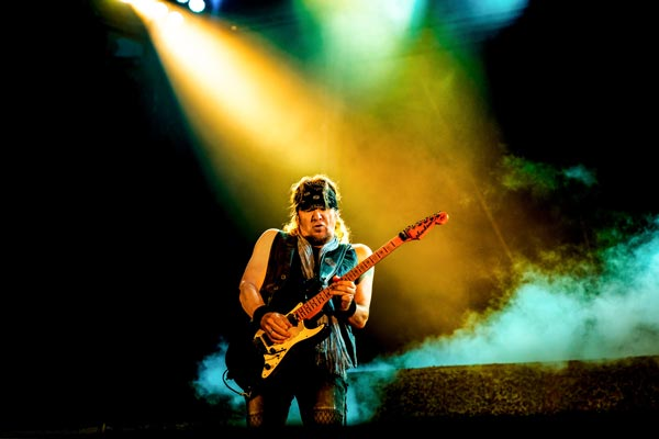 Adrian Smith, on stage with Iron Maiden. Los Angeles. Legacy Of The Beast