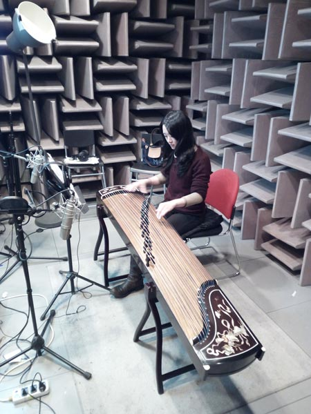 Li Dao in the studio