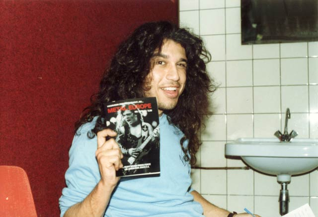 Tom Araya of Slayer with a copy of Metal Europe