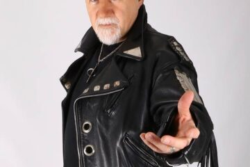 Photo of former Sabbath singer Tony Martin