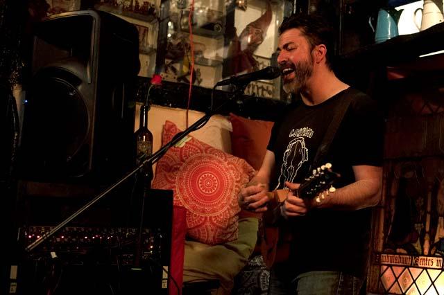 Frank Turner, The Troubadour. Photo: Eric Duvet/MetalTalk