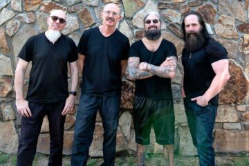 Photo of Mike Portnoy, John Petrucci, Jordan Rudess and Tony Levin, from Liquid Tension Experiment