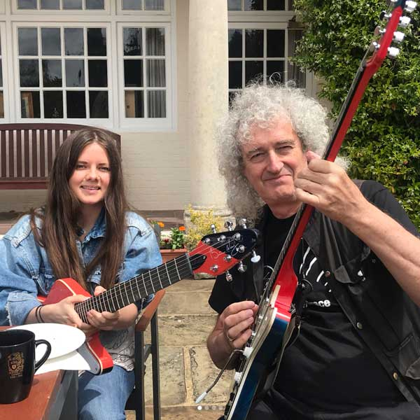 Photo of Brian May, from Queen and Arielle