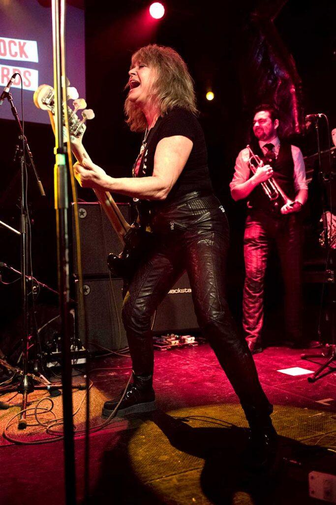 Photo of Rock legend Suzi Quatro