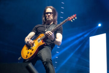 Photo of Myles Kennedy, Alter Bridge