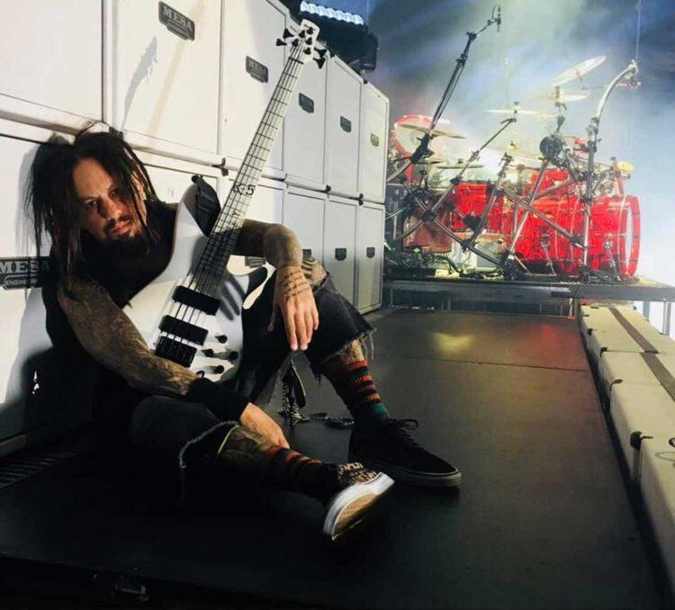 """Photo of Reginald """"Fieldy"""" Arvizu from Korn"""