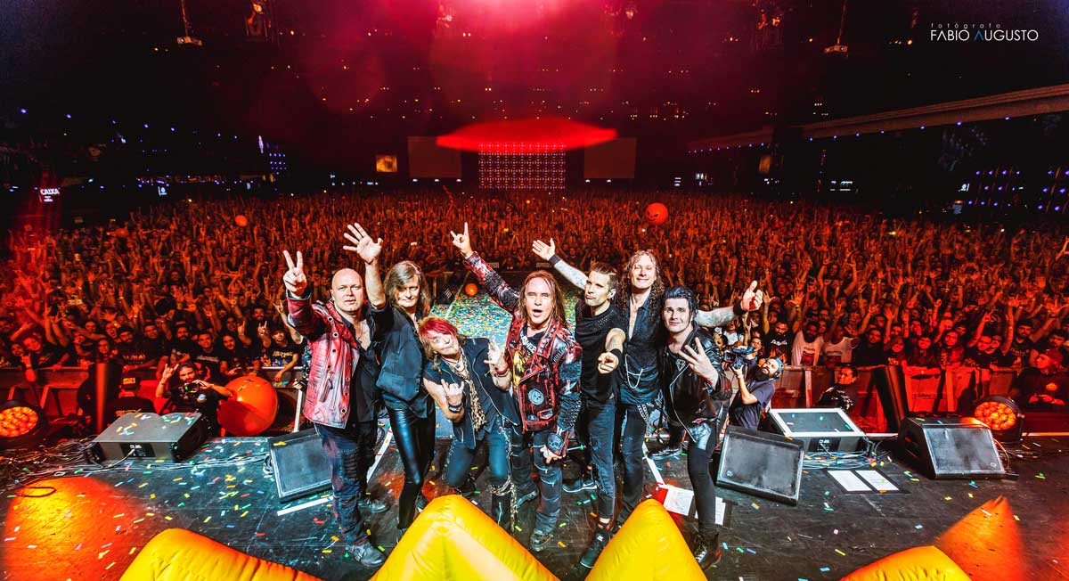 Photo of the band Helloween