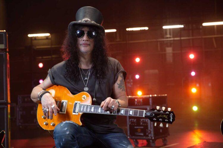 Photo of Slash and his Epiphone Guitar