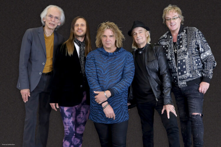 Photo of Prog rock legends YES